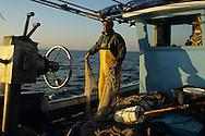 pescatore a strascico.fisherman's trawl