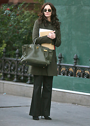 Mar 03, 2008 - New York, NY, USA - JULIA ROBERTS spotted walking around the city . (Credit Image: © Dan Herrick-KPA/Dan Herrick/ZUMA Press)
