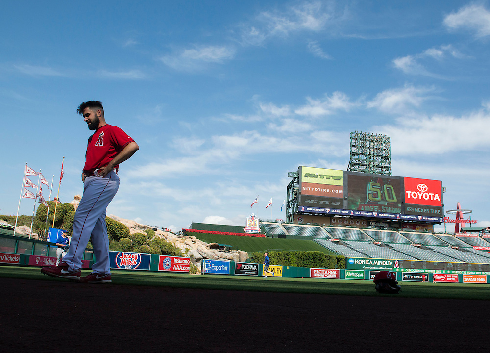 The Angels Matt Shoemaker cools down after a workout before the Angels take on the Kansas City Royals Wednesday night at Angel Stadium.<br /> <br /> ///ADDITIONAL INFO:   <br /> <br /> angels.0428.kjs  ---  Photo by KEVIN SULLIVAN / Orange County Register  --  4/27/16<br /> <br /> The Los Angeles Angels take on the Kansas City Royals Wednesday at Angel Stadium.<br /> <br /> <br />  4/27/16