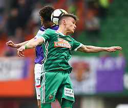 15.04.2018, Ernst Happel Stadion, Wien, AUT, 1. FBL, FK Austria Wien vs SK Rapid Wien, 30. Runde, im Bild Vesel Demaku (FK Austria Wien) und Dejan Ljubicic (SK Rapid Wien) // during Austrian Football Bundesliga Match, 30th Round, between FK Austria Vienna and SK Rapid Wien at the Ernst Happel Stadion, Vienna, Austria on 2018/04/15. EXPA Pictures © 2018, PhotoCredit: EXPA/ Thomas Haumer