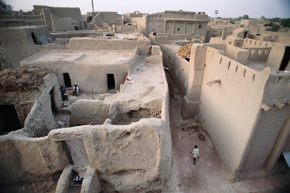 The mud-walled W. African city of Djenne, Mali. Material World Project.