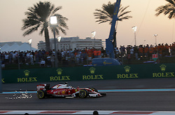 Rennen des Grand Prix von Abu Dhabi auf dem Yas Marina Circuit / 271116<br /> <br /> ***Abu Dhabi Formula One Grand Prix on November 27th, 2016 in Abu Dhabi, United Arab Emirates - Racing Day *** 2016 FORMULA 1 ETIHAD AIRWAYS ABU DHABI GRAND PRIX,  24.11. - 27.11.2016 <br /> Sebastian Vettel (GER#5), Scuderia Ferrari