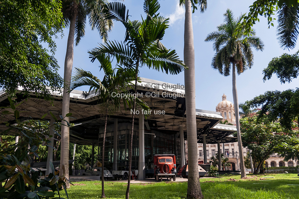 Cuba, La Havane, quartier Habana Centro, musée des Armées // Cuba, Havana, Habana Centro quarter, Army Museum