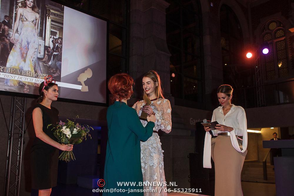 NLD/Amsterdam/20150119 - De Marie Claire Prix de la Mode awards, Maartje Verhoef wint de award voor Best Dutch Model