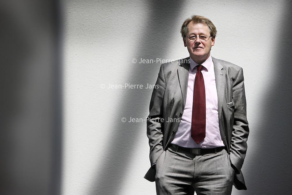 Nederland, Amsterdam , 14 mei 2010..De 53-jarige Jaap Smit wordt de nieuwe voorzitter van de vakcentrale CNV. Smit -wiens benoeming nog wel moet worden bekrachtigd door de CNV-leden op 10 mei - volgt René Paas op. Smit is afgelopen zeven jaar directeur geweest van Slachtofferhulp Nederland. Daarvoor was hij onder meer organisatieadviseur, godsdienstleraar en legerdominee..Foto:Jean-Pierre Jans