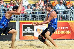 17-07-2014 NED: FIVB Grand Slam Beach Volleybal, Apeldoorn<br /> Poule fase groep A mannen - Een blije Reinder Nummerdor en Steven van de Velde als zij Duitsland met 2-1 verslaan