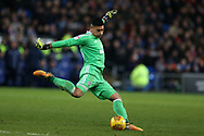 Neil Etheridge , the Cardiff city goalkeeper in action. EFL Skybet championship match, Cardiff city v Hull city at the Cardiff city stadium in Cardiff, South Wales on Saturday 16th December 2017.<br /> pic by Andrew Orchard, Andrew Orchard sports photography.