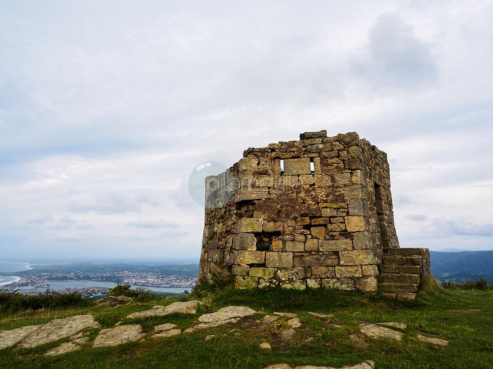 Atalaya en el monte Jaizkibel, Hondarribia ©Country Sessions / PILAR REVILLA