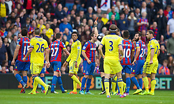 18.10.2014, Selhurst Park Stadium, London, ENG, Premier League, FC Crystal Palace vs FC Chelsea, 8. Runde, im Bild Crystal Palace's Damien Delaney is shown a red card and sent off during the Premier League match against Chelsea at Sehlhurst Park. (Pic by David Rawcliffe/Propaganda) // 15054000 during the English Premier League 8th round match between Crystal Palace FC and Chelsea FC at the Selhurst Park Stadium in London, Great Britain on 2014/10/18. EXPA Pictures © 2014, PhotoCredit: EXPA/ Propagandaphoto/ David Rawcliffe<br /> <br /> *****ATTENTION - OUT of ENG, GBR*****