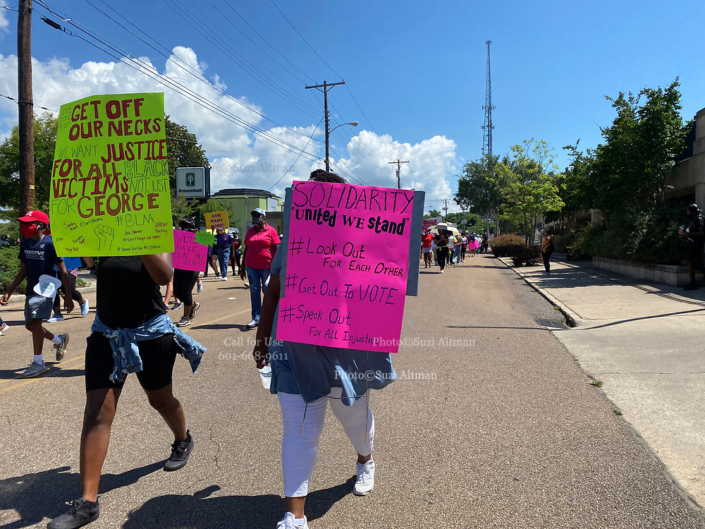 Vicksburg MS. In the small Mississippi town of Vicksburg Mississippi with a long racial history of racism, hundreds turned out to protest the brutal murder of George Floyd. Protests have broken out around the world in solidarity to end white supremacy and police brutality. The brutal murder of African American George Floyd by the knee and hands of 4 former Minneapolis Minnesota police officers has sparked a cry for justice and reform around the world. Photo copyright © Suzi Altman @suzialtman #mississippi #blm #blacklivesmatter #peotest #icantbreathe #georgefloyd #endracism #policebrutality #documentary #history #suzialtman #iphonography #shotoniphone #zumapress