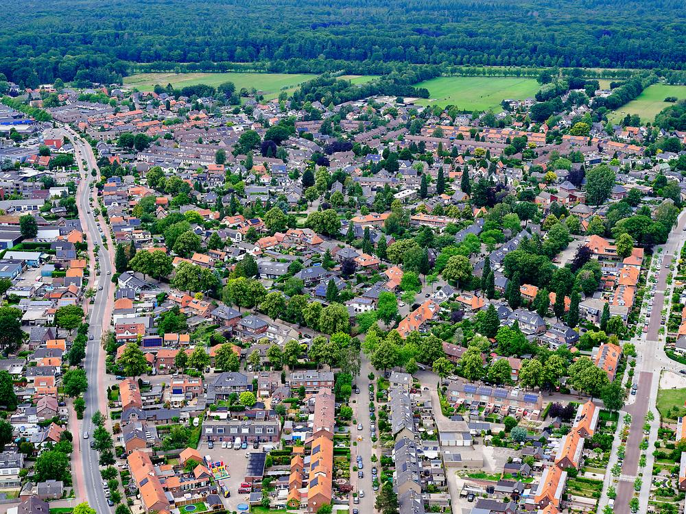 Nederland, Utrecht, Soest, 21–06-2020; woonwijk 't Hart-Soestdijk.<br /> Residential area.<br /> luchtfoto (toeslag op standaard tarieven);<br /> aerial photo (additional fee required)<br /> copyright © 2020 foto/photo Siebe Swart