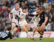 Wycombe. GREAT BRITAIN, Tigers Ian HUMPHREYS, goes for the gap, Fraser WATERS, right,  and Joe WARD, during the, Guinness Premiership game between, London Wasps and Leicester Tigers on 25/11/2006, played at  Adams<br /> <br />  Park, ENGLAND. Photo, Peter Spurrier/Intersport-images]
