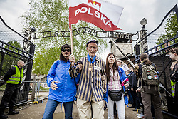 May 2, 2019 - Oswiecim, Poland - Edward Mosberg, 93 years old, survivor prisoner of the jewish holocaust, under the famous entrance ''Arbeit Macht Frei'' in the Auschwitz concentration camp during the March of The Living in Oswiecim, Poland on 2 May 2019. (Credit Image: © Celestino Arce/NurPhoto via ZUMA Press)