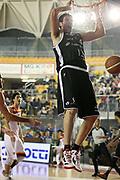 DESCRIZIONE : Roma Lega A 2011-12 Acea Virtus Roma Canadian Solar Virtus Bologna<br /> GIOCATORE : Angelo Gigli<br /> CATEGORIA : tiro schiacciata<br /> SQUADRA : Canadian Solar Virtus Bologna<br /> EVENTO : Campionato Lega A 2011-2012<br /> GARA : Acea Virtus Roma Canadian Solar Virtus Bologna<br /> DATA : 21/01/2012<br /> SPORT : Pallacanestro<br /> AUTORE : Agenzia Ciamillo-Castoria/ElioCastoria<br /> Galleria : Lega Basket A 2011-2012<br /> Fotonotizia : Roma Lega A 2011-12 Acea Virtus Roma Canadian Solar Virtus Bologna<br /> Predefinita :