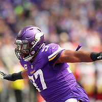 MINNEAPOLIS, MN - SEPTEMBER 09: Everson Griffen #97 of the Minnesota Vikings celebrates after sacking Jimmy Garoppolo #10 of the San Francisco 49ers in the first half of the game at U.S. Bank Stadium on September 9, 2018 in Minneapolis, Minnesota. (Photo by Adam Bettcher/Getty Images) *** Local Caption *** Everson Griffen