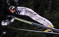Hopp, 01.12.2001 Titisee-Neustadt, Deutschland,<br />Der Deutsche Georg Spath am Samstag (01.12.2001) beim Weltcup Skispringen in Titisee-Neustadt, Schwarzwald.<br />Foto: ÊJAN PITMAN/Digitalsport