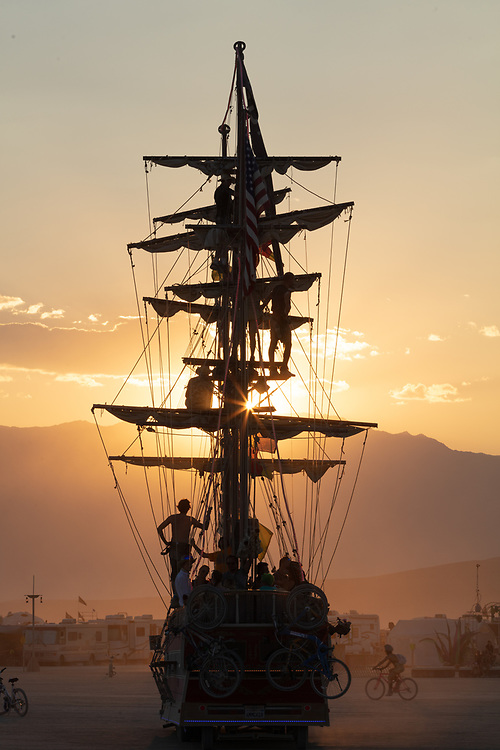 One day I will catch this thing under sail. One day.