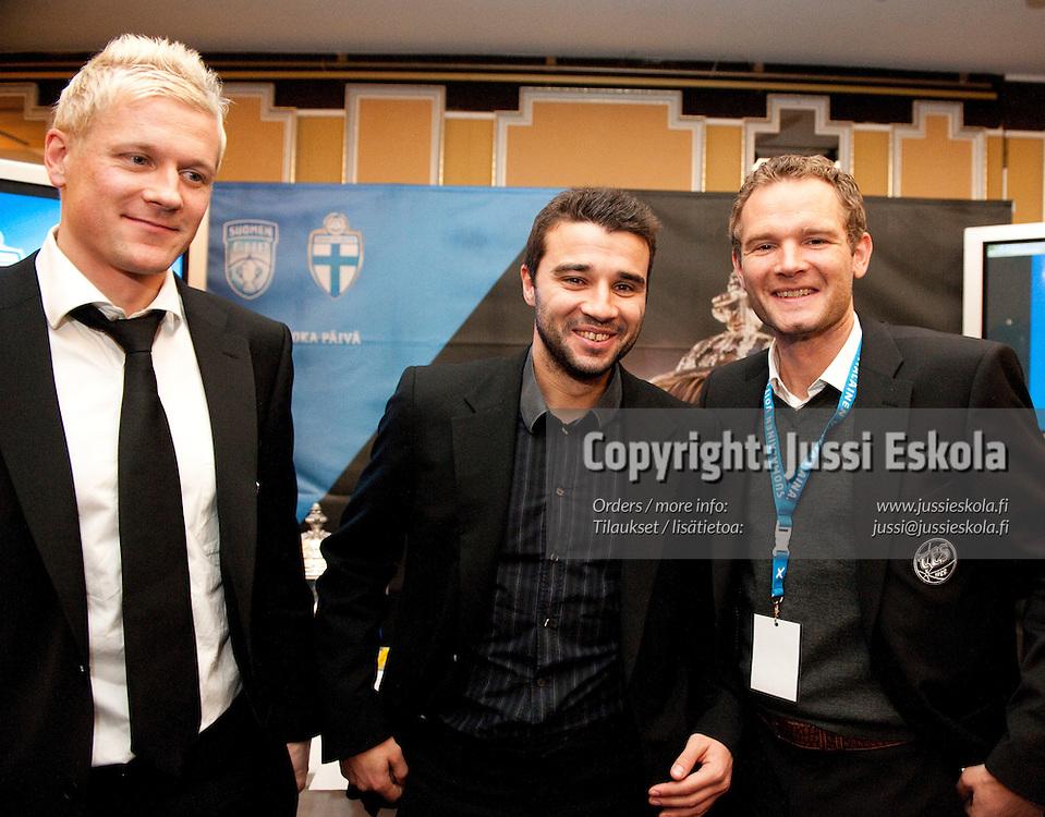 Toni Kuivasto, Aleksei Eremenko Jr, Jonatan Johansson. Veikkausliigan avausinfo, Helsinki 8.4.2010. Photo: Jussi Eskola