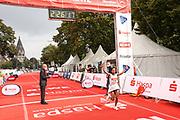 Marathon: Haspa Hamburg 2021, Hamburg, 12.09.2021<br /> Jubel von Siegerin Cadise Demissie (ETH)<br /> © Torsten Helmke