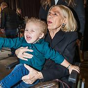 NLD/Berkel en Rodernrijs/20190311 - Boekpresentatie Dunya, een Hemels Hondenleven van Monique Westenberg, oma Corrie en haar zoon Dre Hazes