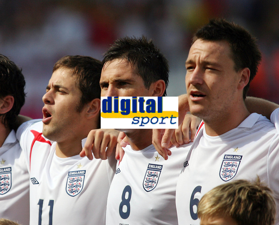 Photo: Chris Ratcliffe.<br /> <br /> England v Ecuador. 2nd Round, FIFA World Cup 2006. 25/06/2006.<br /> <br /> Joe Cole, Frank Lampard, and John Terry of England.