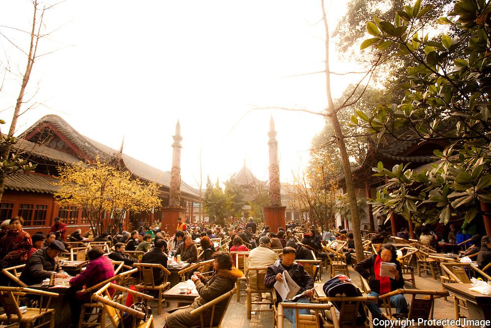 Enjoying tea at Wen Shu Monastery, Chengdu.