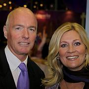 NLD/Rotterdam/20081016 - Premiere Mystery show Holiday on Ice, Ferdi Bolland en partner Marion Mulder
