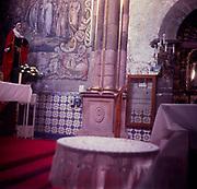 A294K8 Interior roman catholic church Mexico