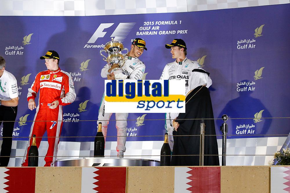 HAMILTON lewis (gbr) mercedes gp mgp w06, RAIKKONEN kimi (fin) ferrari sf15t, ROSBERG nico (ger) mercedes gp mgp w06 ambiance portrait during 2015 Formula 1 FIA world championship, Bahrain Grand Prix, at Sakhir from April 16 to 19th. Photo Florent Gooden / DPPI
