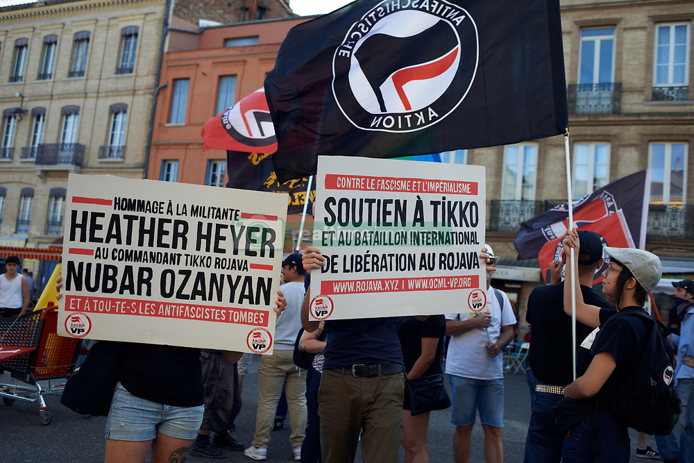 August 19, 2017 - Toulouse, France - People gathered In Toulouse in solidarity with anti-fascists in Charlottesville after the killing of Heather Heyer by a white supremacist.  On August 19th 2017 in Toulouse, France. (Credit Image: © Alain Pitton/NurPhoto via ZUMA Press)