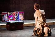 LE QUAI DES OUBLIES (2011).Mise en scene/scenographie: Igor.Choregraphie : Violeta Todo-Gonzales.Jeu/Danse : Violeta Todo-Gonzales, Zina Gonin-Lavina, Florent Hamon, Philippe Cottais, Revaz Matchabeli.Interpretation musicale : Revaz Matchabeli.