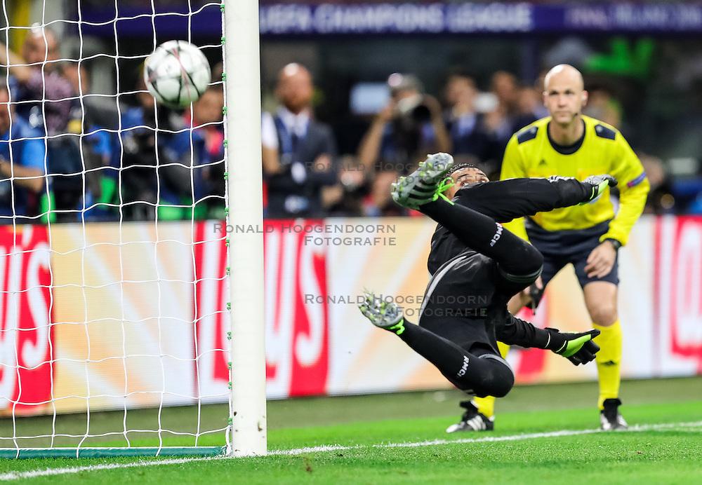 28-05-2016 ITA, UEFA CL Final, Atletico Madrid - Real Madrid, Milaan<br /> Keylor Navas of Real Madrid at missed penalty shot <br /> <br /> ***NETHERLANDS ONLY***