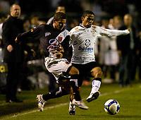20090603: RIO DE JANEIRO, BRAZIL - Corinthians vs Santos FC – Semi Finals: Brazilian Cup 2009. In picture: Jorge Henrique (Corinthians) and Fernandinho (Vasco). PHOTO: CITYFILES