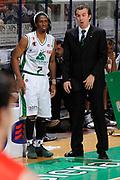 DESCRIZIONE : Siena Lega A 2008-09 Playoff Finale Gara 2 Montepaschi Siena Armani Jeans Milano<br /> GIOCATORE : Simone Pianigiani Morris Finley<br /> SQUADRA : Montepaschi Siena<br /> EVENTO : Campionato Lega A 2008-2009 <br /> GARA : Montepaschi Siena Armani Jeans Milano<br /> DATA : 12/06/2009<br /> CATEGORIA : coach<br /> SPORT : Pallacanestro <br /> AUTORE : Agenzia Ciamillo-Castoria/G.Ciamillo
