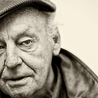 """Eduardo Hughes Galeano (3 September 1940 - 13 April 2015) was an Uruguayan journalist, writer and novelist considered, among other things, """"global soccer's pre-eminent man of letters"""" and """"a literary giant of the Latin American left"""". Galeano's best-known works are Las venas abiertas de América Latina (Open Veins of Latin America, 1971) and Memoria del fuego (Memory of Fire Trilogy, 1982). """"I'm a writer,"""" the author once said of himself, """"obsessed with remembering, with remembering the past of America and above all that of Latin America, intimate land condemned to amnesia.""""<br /> Photo: Ezequiel Scagnetti<br /> www.ezequiel.photos"""