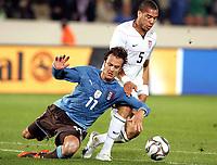 Fotball<br /> Italia v USA<br /> 15.06.2009<br /> Confederations Cup 2009<br /> Foto: Gepa/Digitalsport<br /> NORWAY ONLY<br /> <br /> Bild zeigt Alberto Gilardino (ITA) und Oguchi Onyewu (USA)