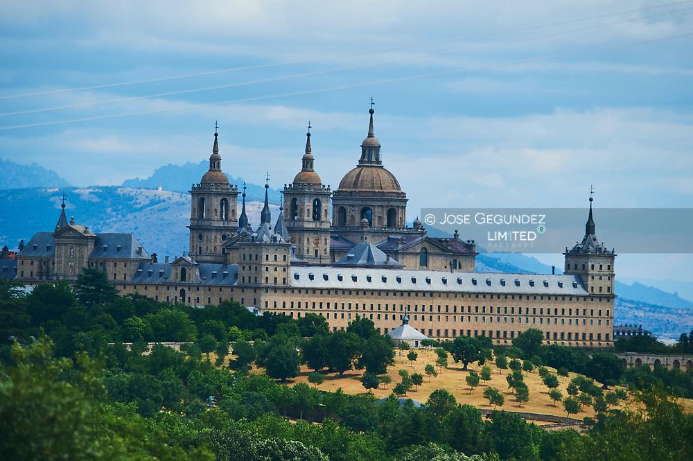 El Real Monasterio de El Escorial.<br />The Royal Monastery of El Escorial.