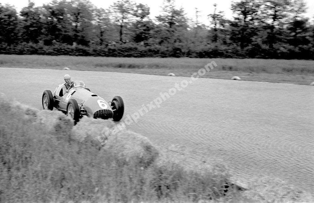Alberto Ascari (Ferrari) in the 1951 Gran Premio del Autodromo in Monza. Photo: Grand Prix Photo