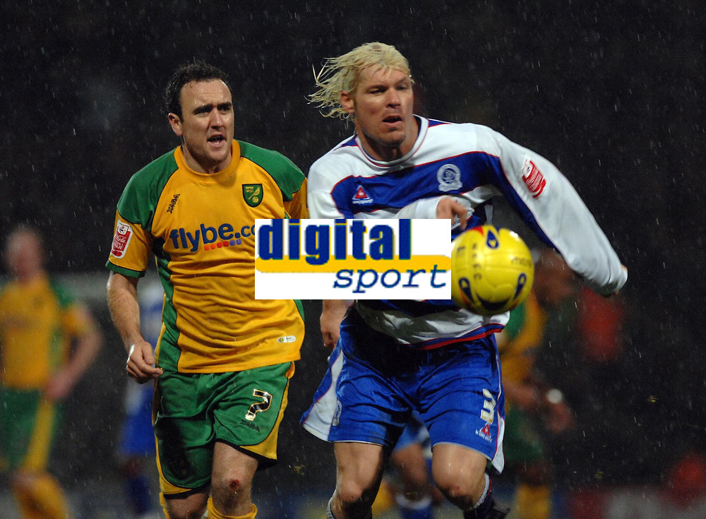 Photo: Ashley Pickering.<br />Norwich City v Queens Park Rangers. Coca Cola Championship. 30/12/2006.<br />Norwich's Lee Croft (L) and QPR's Mauro Milanese chase the ball
