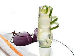 Cocktail_Drink_Pool_Party_White_