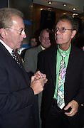 Sir David Frost and Sir Cliff Richard. The Beautiful Game first night party. Hippodrome. London. 26 September 2000 © Copyright Photograph by Dafydd Jones 66 Stockwell Park Rd. London SW9 0DA Tel 020 7733 0108 www.dafjones.com