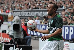18.09.2010, Weserstadion, Bremen, GER, 1. FBL, Werder Bremen vs 1. FSV Mainz 05, im Bild Mikaël Silvestre (Bremen #16)   EXPA Pictures © 2010, PhotoCredit: EXPA/ nph/  Frisch+++++ ATTENTION - OUT OF GER +++++ / SPORTIDA PHOTO AGENCY