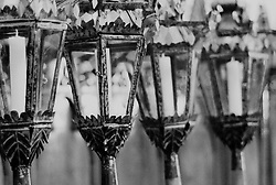 Reportage sulla processione del venerdi santo a Gallipoli...fiaccole che verranno utilizzate in processione giacciono in chiesa