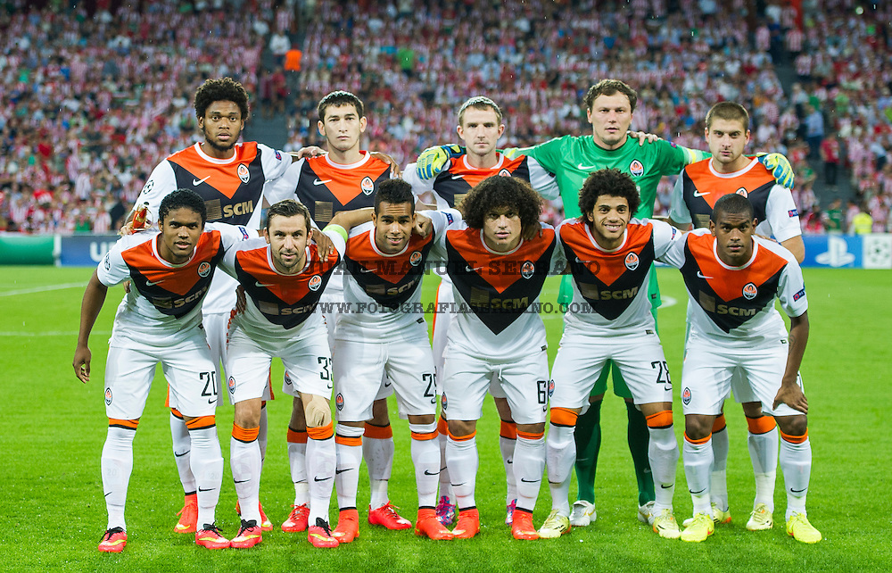 BILBAO, SPAIN - SEPTEMBER 17:  Shakhtar Donetsk lines up prior to the start the UEFA Champions League Group H match between Athletic Club and Shakhtar DonetskÊat San Mames StadiumÊon September 17, 2014 in Bilbao, Spain. Ê  (Photo by Juan Manuel Serrano Arce/Getty Images)