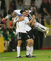 1:0 Jubel Torschuetze Oliver Neuville, Miroslav Klose, oben Michael Ballack<br /> Fussball WM 2006 Deutschland - Polen<br /> Tyskland - Polen<br /> Norway only