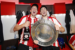 (l-r) Luuk de Jong of PSV, Marco van Ginkel of PSV during the Dutch Eredivisie match between PSV Eindhoven and Ajax Amsterdam at the Phillips stadium on April 15, 2018 in Eindhoven, The Netherlands