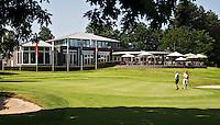 HERKENBOSCH- Green Hole 18 en Clubhuis Golfbaan Herkenbosch bij Roermond. FOTO KOEN SUYK