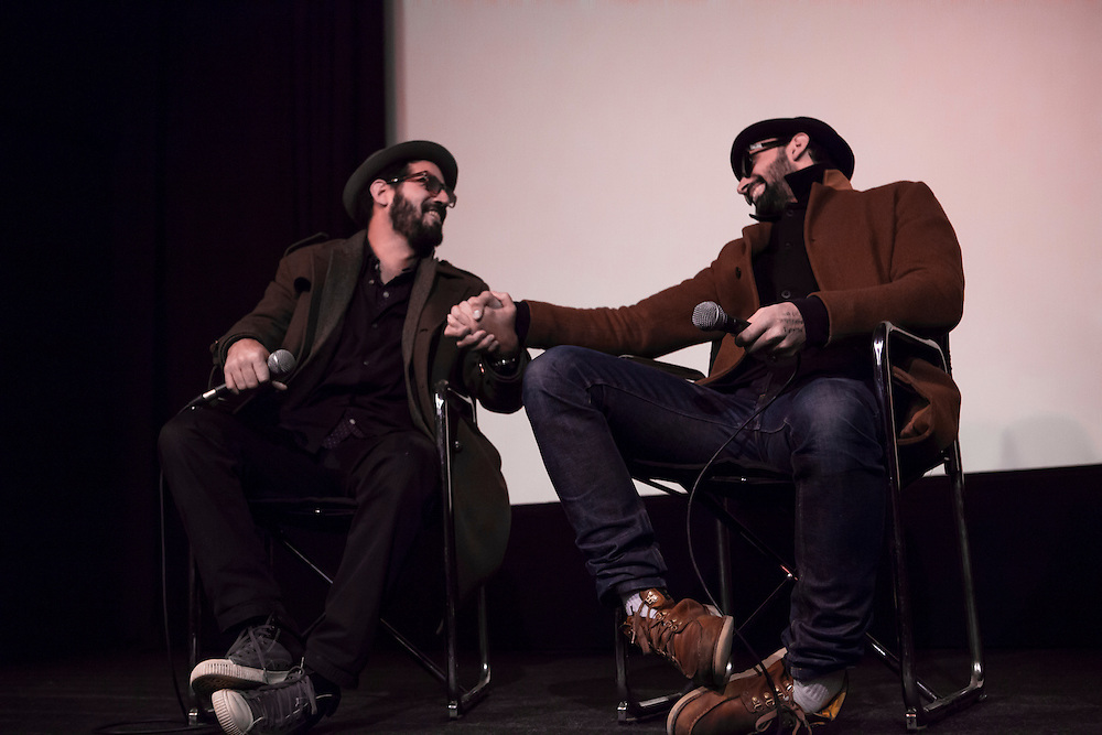 The audience asks how they met, when would be their next collaboration and mentioned how romantic their work can be. JR and José Parlá are touched.