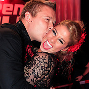 NLD/Hilversum/20130209 - Finale Sterren Dansen op het IJs 2013, Tony Wyczynski kust Alexandra Murphy