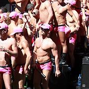 NLD/Amsterdam/20070804 - Gaypride Canalparade 2007, boot van de Pink Police